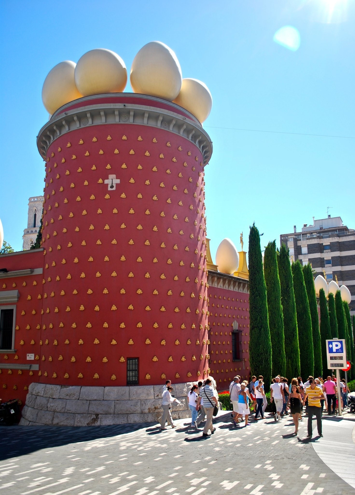 Museo Dali Barcelona.The Salvador Dali Museum In Figueres A Fun Day Trip From Barcelona
